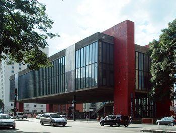 Lina Bo Bardi.Museo de Arte de Sao Paulo.jpg