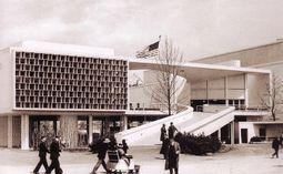 Costa.Niemeyer.PabellonBrasil.1.jpg