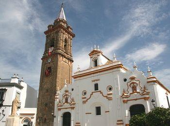 La-iglesia-de-santiago-apostol.jpg