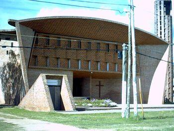 Iglesia Atlantida Dieste 1.jpg