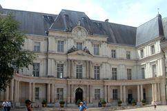 "Ala ""Gaston d'Orléans"" del castillo de Blois (1635-1638), construido para Gastón de Orleans, que sirvió de modelo para el Palacio de Luxemburgo."