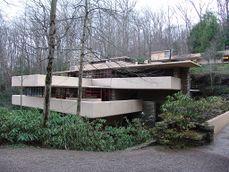Frank Lloyd Wright - Fallingwater exterior 2.JPG