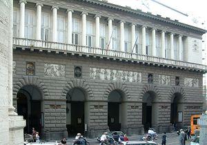 El Teatro San Carlo visto desde la Galería Umberto I.