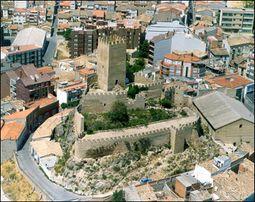 Castillodebanyeresvista01.jpg