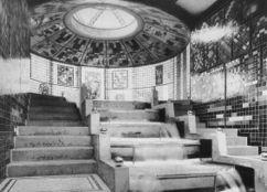 Taut Glass Pavilion interior 1914.jpg