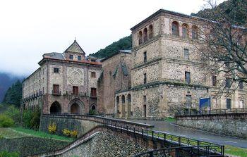 Fachada-Iglesia-Claustro.jpg