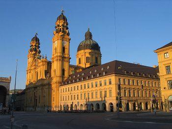 La Theatinerkirche en Munich.