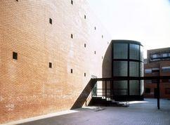 Colegio Público en Madrid (1985)