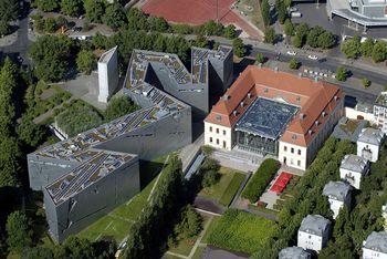 Libeskind.MuseoJudioBerlin.1.jpg