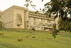 LeCorbusier.Convento La Tourette.2.jpg