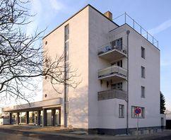 Edificio Konsum en Törten, Dessau (1928)