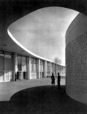 Costa.Niemeyer.PabellonBrasil.9.jpg