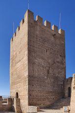 Torre del homenaje Castillo de Banyeres.jpg