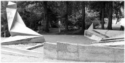 Gropius.Monumento caidos de marzo.3.jpg