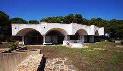 Casa Raventos, Calella de Palafrugell (1973-1974)