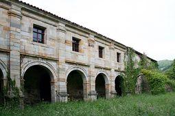 Claustro de Santa María Real de Obona