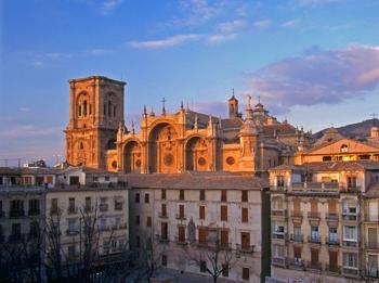 Catedral de Granada desde la Plaza Bib-Rambla.png