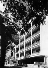 Edificio de viviendas en Semitelou 5, Atenas (1951-1953)